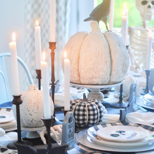 Spooky Halloween Table